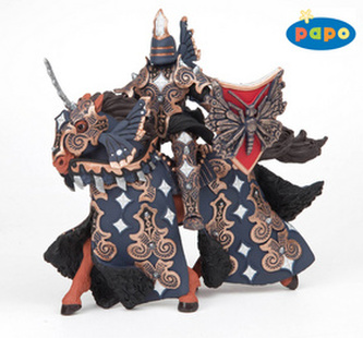 Rytíř temného motýla s koněm